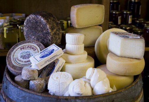 TASTE THE FOOD: dalla Garfagnana ai Salotti del Gusto con i suoi prodotti caseari di alta qualità il CASEIFICIO MAROVELLI. www.salottidelgusto.com