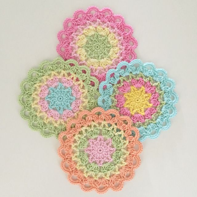 Coasters with a star. | Crochet Millan
