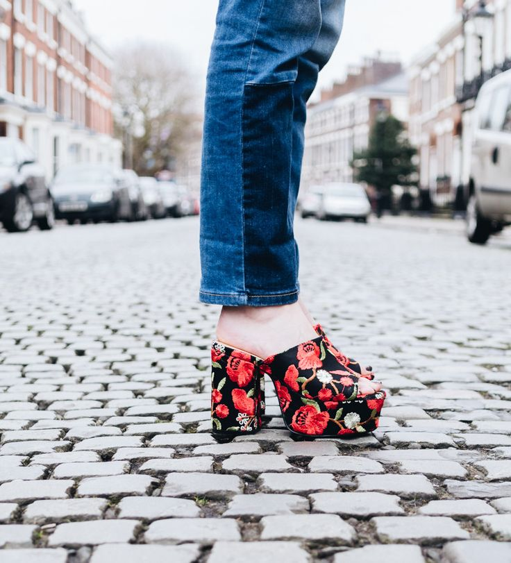 Floral embroidered mules! Find out how to styling the with a snake print dress - https://theemasphere.com/how-to-style-a-snake-print-dress/