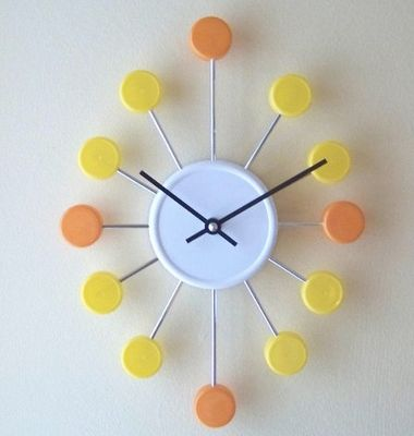 A few great upcycling ideas like this clock made out of bottle caps!