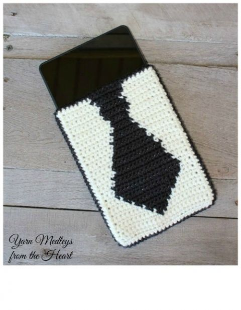 """Are you looking for the perfect Fathers Day gift?  How about this Tie Tablet cover?  It will fit any 7"""" tablet."""