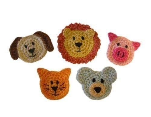 ** Este listado está para un patrón de ganchillo y no el acabado artículo **  Este conjunto de apliques animal incluye el oso, el perro, el gato, el León y el cerdo. ¡Utilice cada animal para adornar sombreros, bolsas, mantas o cualquier cosa que usted puede pensar! Se requiere capacidad para bordar las caras.  Nivel: fácil  Tamaño acabado: rangos de 2(5 cm) - 3 (7.5 cm) de ancho  Materiales: Hilados de peso medio (pequeña cantidad de cada color) Crochet el gancho nos G (4.00 mm) Aguja de…