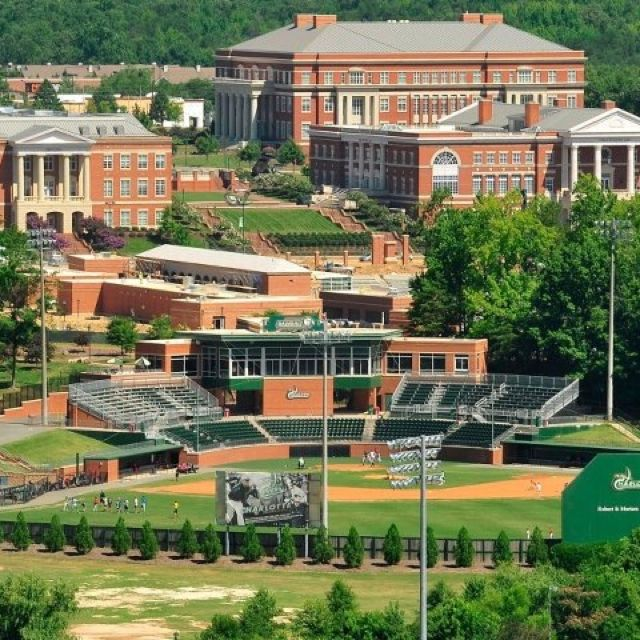 UNCC seriously has one of the most beautiful campus'