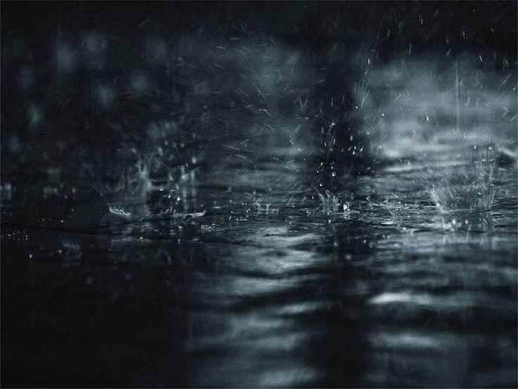 Ama como la llovizna que cae en silencio, casi sin hacerse notar, pero que es capaz de desbordar ríos. Paulo Coelho