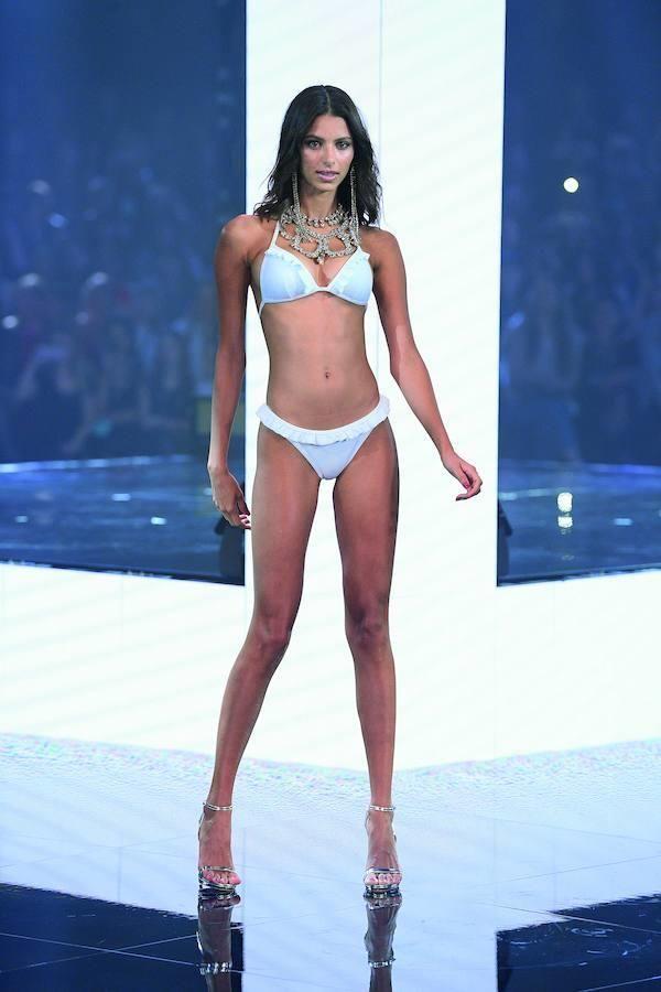 583fb108a0d7 Los bañadores y bikinis más bonitos del Calzedonia Summer Show ...