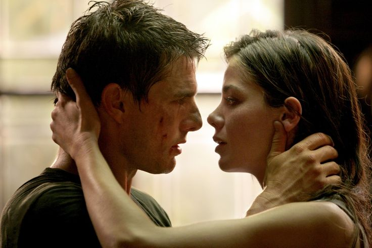 Still of Tom Cruise and Michelle Monaghan in Mission: Impossible III (2006) http://www.movpins.com/dHQwMzE3OTE5/mission:-impossible-iii-(2006)/still-1435864064
