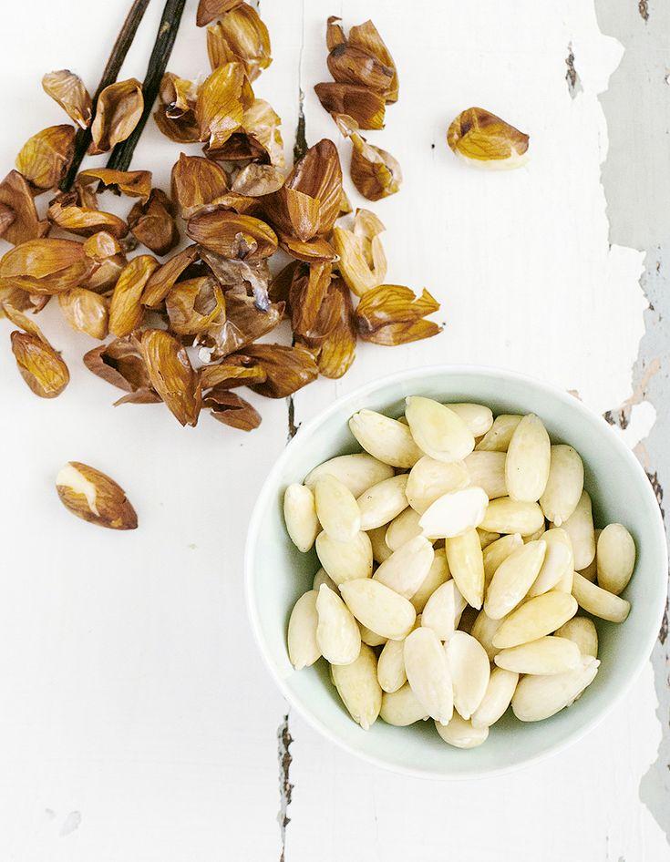Pour perdre du poids, beaucoup éliminent à tort de leur alimentation les oléagineux qui ont pourtant un bon apport en acides gras insaturés. Riches en calories, ils contiennent pourtant des bonnes graisses et regorgent de nombreuses vitamines, comme la vitamine E, ainsi que des minéraux, des pr...