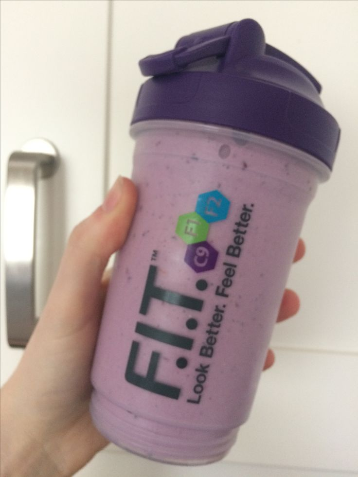 Yummy 😋  Delicious shakes! Perfect for on the go 🚗   For this one I used:  Aloe Vera drinking gel  Forever lite ultra in vanilla  Summer berries & Milk   FOREVER ULTRA LITE  🍓healthysnack / meal  🍓nutritionally balanced  🍓perfect for people on the go  🍓100% natural  🍓18 Amino Acids  🍓Vitamins, Minerals , Protein