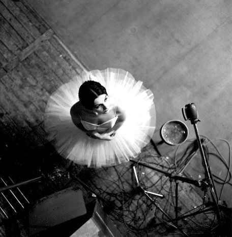 Robert Doisneau - The Dancer, Paris 1963. S)