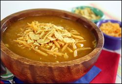 Chicken Enchilada Soup    PER SERVING (1 cup): 105 calories, 1.75g fat, 641mg sodium, 12.5g carbs, 2g fiber, 4g sugars, 11g protein