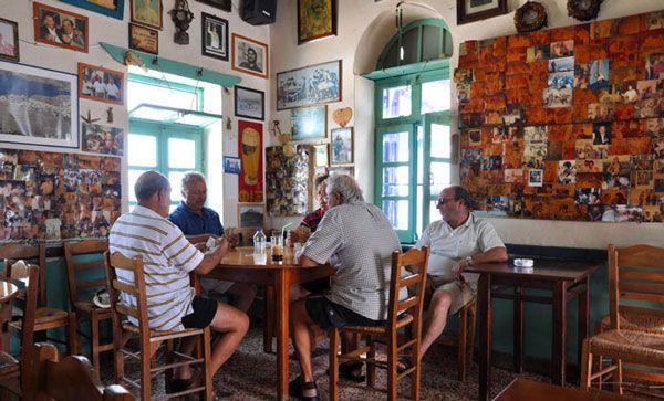 12 πανέμορφα παραδοσιακά καφενεία στην Ελλάδα!