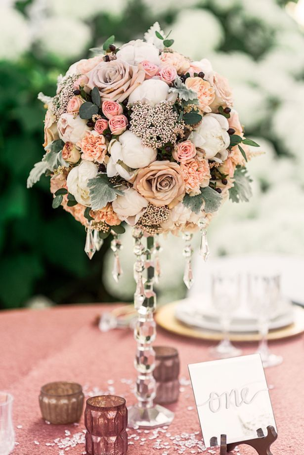 Vintage Wedding Centerpiece - Photographer: PhotoswithJess