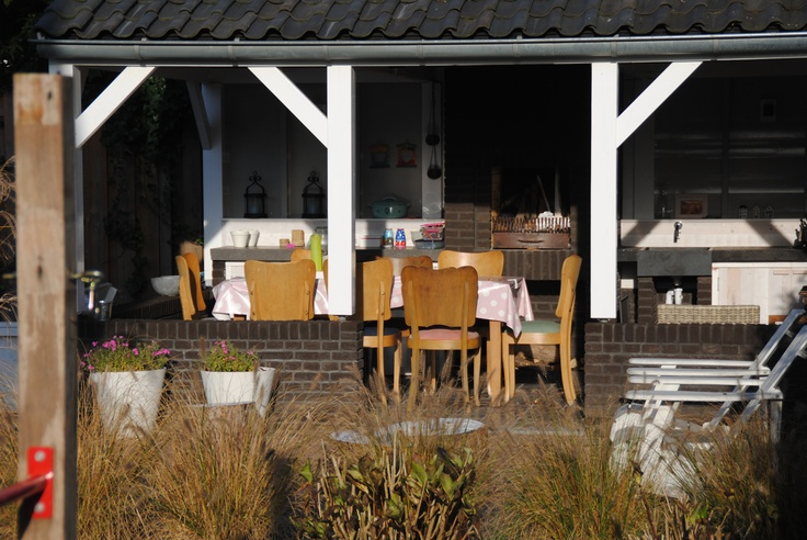Outdoor kitchen front view