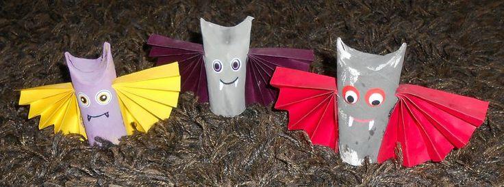 Chauves-souris en rouleau de papier WC pour Halloween
