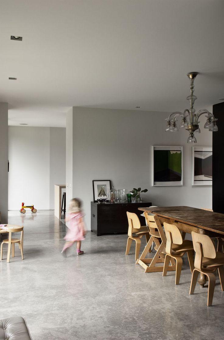 Polierter Betonboden - Esszimmer in der Casa Familia von Bergendy
