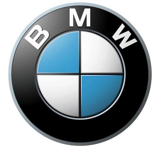 BMW  白は雲、水色は青空をイメージし、クロスした十字は航空機のプロペラをデザインしたもので、BMWが創業時より航空機のエンジンメーカーだったことに由来する。しかし、青と白は、バイエルン州旗にちなむという説(BMW社が公式に認めているわけではない)もある。