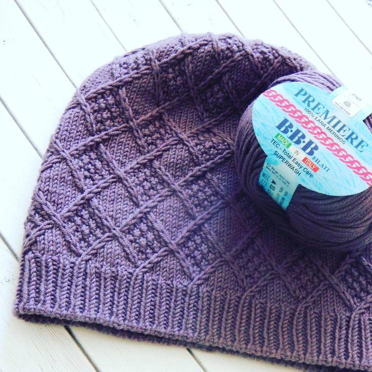 Шапочка по описанию @knitterra,  ниточки из магазина @woolax.ru #вязание #вязанаяшапка #вяжутнетолькобабушкиноимамочки #вяжутнетолькобабушки #вязальныеманьяки #вязаниеспицами #вязаниемоехобби #knitting #длясебя #длясебялюбимой #пряжаввв#мериносоваяшерсть #crystal_meditation