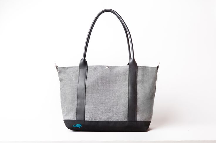 The Sazerac Tote. Lockwood Grey top, turquoise logo. Choose from this or other colours on our website. #VesperFaering #startup #Vancouver #Canada #bags #luggage #travel #travelaccessories #traveltips #travelhacks #organization