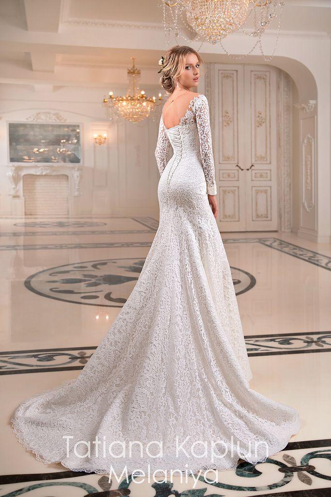 Price Point 800,001800,00 Wedding dresses vintage