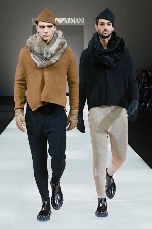 Il comfort totale della maglia, la duttilità del jersey: è una collezione dall'impronta fortemente urbana quella di Emporio Armani, caratterizzata dalla presenza del jersey come protagonista e del knitwear come insolito dettaglio.