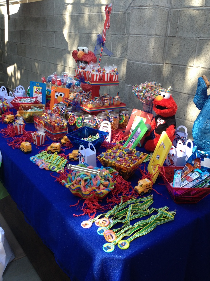 Elmo party | Party decor | Elmo party, Sesame street ...