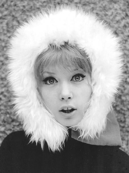 Seriously, Pattie Boyd? Just when I thought you couldn't get any cuter.