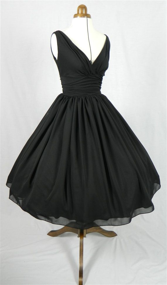 An elegant 50s style cocktail dress.
