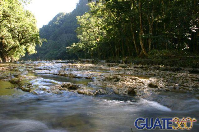 Guate360.com   Fotos de Semuc Champey - Aguas bajas, Coban Guatemala