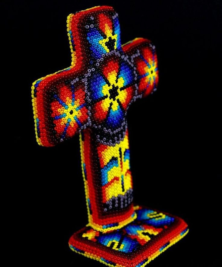 H163 Small Cross With Base Huichol Mexican Folk Art Shipping From Mexico Peyote