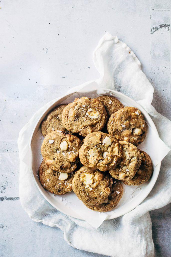 White chocolate and macadamia cookies | Easy cookies | Recipe