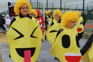 Los originales emoticonos de wasap visitaron nuestros carnavales desde el Colegio Las Alamedas de Dehesas
