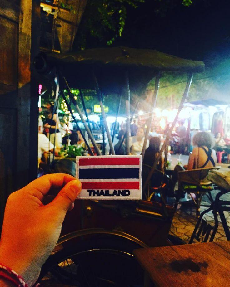 세계여행-D+26  #방콕 _  나라마다 하나씩 모이자^^ #bangkok _  #세계여행#세계일주#여행에미치다#여행스타그램#커플여행#국제커플#배낭여행 #여행에미치다_태국#여행에미치다_세계여행 #태국#방콕#tailand#泰国#travelworld#travelaroundtheworld#travel#ckcouple#travelpic#사진스타그램#사진#photography #photo#iphone#여행사진 http://tipsrazzi.com/ipost/1505881282327296205/?code=BTl9ww7BzjN