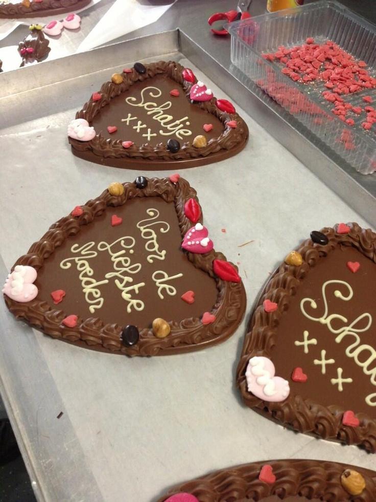 Chocolade harten voor moederdag. www.chocoladebezorgd.nl