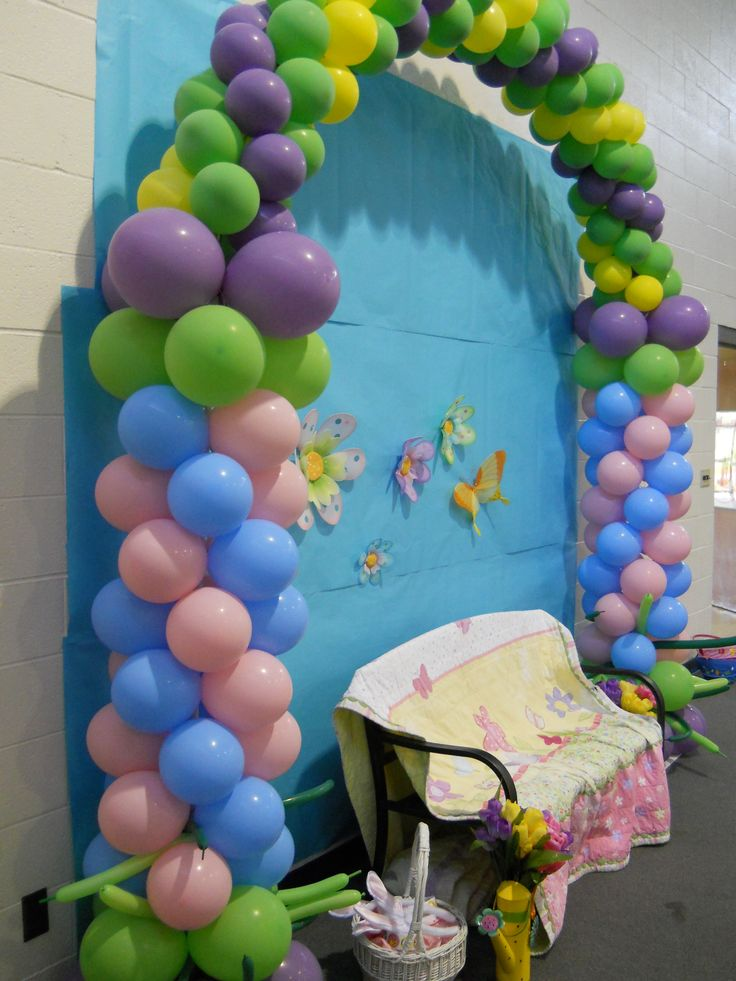 pastel balloon arch for photos with Easter Bunny click