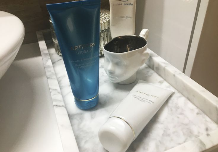 Do you like to use masks? If so, this article will surely please you, because I will introduce you to two great masks I've been given a try and I have to admit they are really good. Visit us: http://www.sheistheone.ch/2017/08/beauty-face-masks-by-artistry.html #BeautyBlogger #FamousBeautyBlogger #beauty #blogger