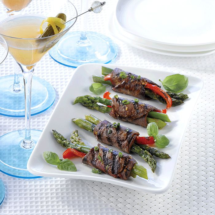 Day 5: Everyone needs one of those 'one-up-manship' recipes for their #Christmas Countdown– Grilled #Beef Roulades is it! #LoveCDNBeef   http://makeitbeef.ca/12-day-christmas-countdown-canadian-beef-sat-dec-20/