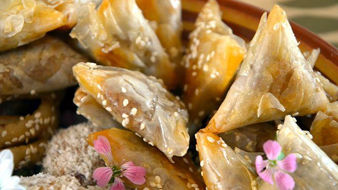 Amandelbriouats (Marokkaanse koekjes van amandelen en honing) - 24Kitchen
