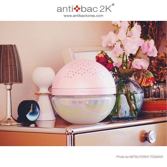 MAGICBALL Pearly Pink. Photo by MITSUYOSHI TOGANO.  antibackorea.com   #antibac2K #magicball #pink #night #korean #koreanmodel #koreanstyle #koreancosmetic #cledepeaubeaute #aroma #white #light #body #패션 #인테리어 #트렌드 #매직볼 #황사 #안티백2K #디자인 #공기세정기 #라이프스타