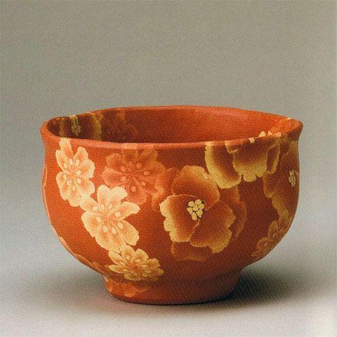 Living Master Ito Sekisui V (Japanese: 1941) - Mumyoi neriage marbled ware tea bowl with flower pattern