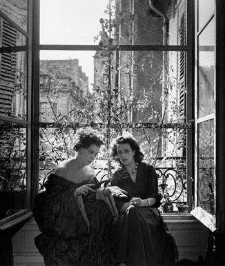 Leonor Fini and Leonora Carrington, Paris, 1952, photo by Denise Colomb