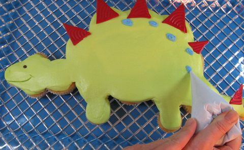 Wonderful site for learning cake decorating!