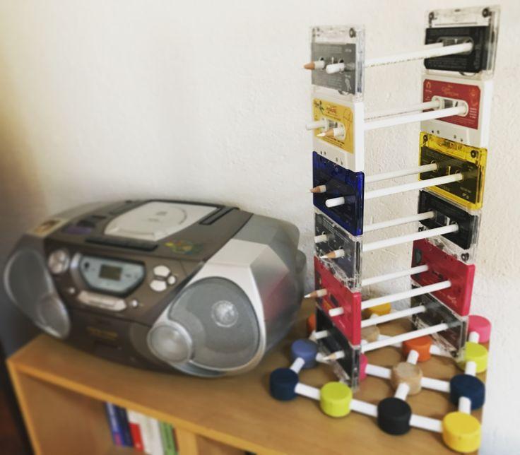 PortaCD con audiocassette e matite