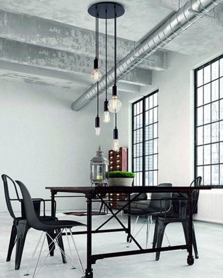 Lámpara de techo con 5 brazos suspendidos a diferentes alturas con bombillas tipo vintage.  #vintage #interiorismo #interior #decoracion #tendencias #light #vintagestyle #decoration #cool #style #picoftheday #instacool #instadecor