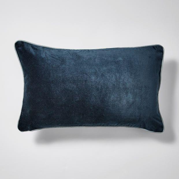 best 25 bed cushions ideas on pinterest benson for beds bed pillow arrangement and bed cushions arrangement