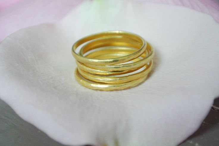Stacking rings - Hammered gold plated silver ring - HeidisHoff.no