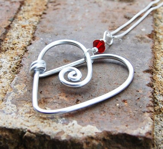wire heart & bead: Heart Fans, Crystals Heart, Wire Heart, Heart Necklaces, Silver Aluminum, Heart Beads, Jewelry Ideas, Red Crystals, Heart Pendants