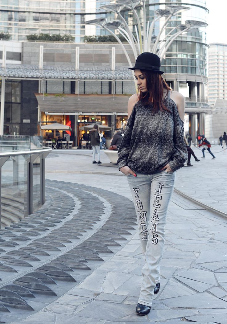 Discover exclusive #Diva #denim customized by Marzia Peragine from the blog Fashion-à-porter. Shop it now>http://goo.gl/rzsJuI