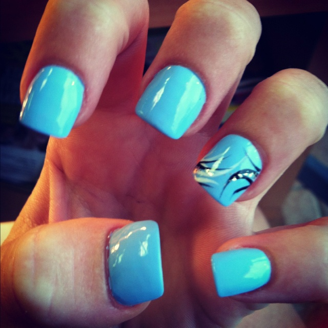 baby blue nails but ugly fingers nail art pinterest