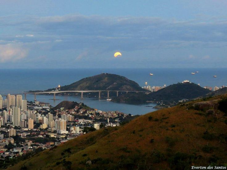 Foto: Everton Gonçalves; Vitória, ES, Brasil, vista da torre da TV (ou mirante do parque da fonte grande)