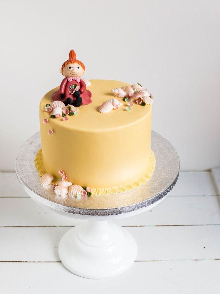 Pikkumyykakku // Moomin Cake, Little My Food & Style Emma Iivanainen, Painted By Cakes Photo Emma Iivanainen www.maku.fi